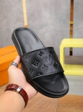 2020.06 Super Max Perfect LV Men Slippers - WX (62)